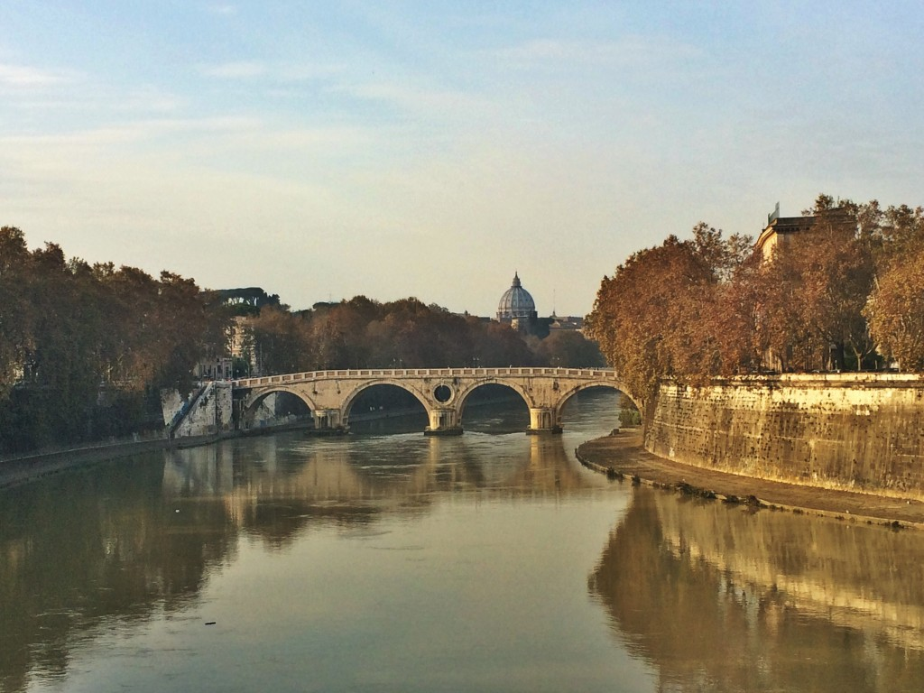 Another view of the Tiber River and Rome's fall foliage