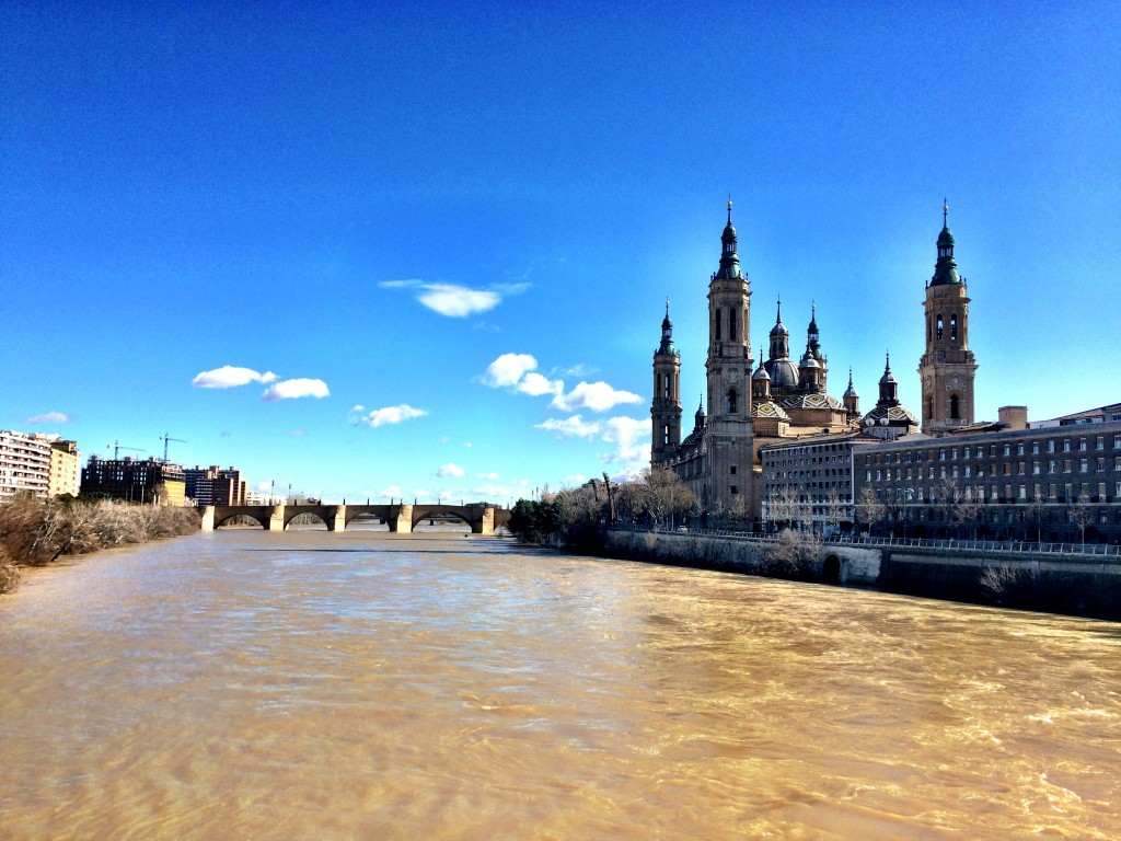 Basílica del Pilar on the Ebro River