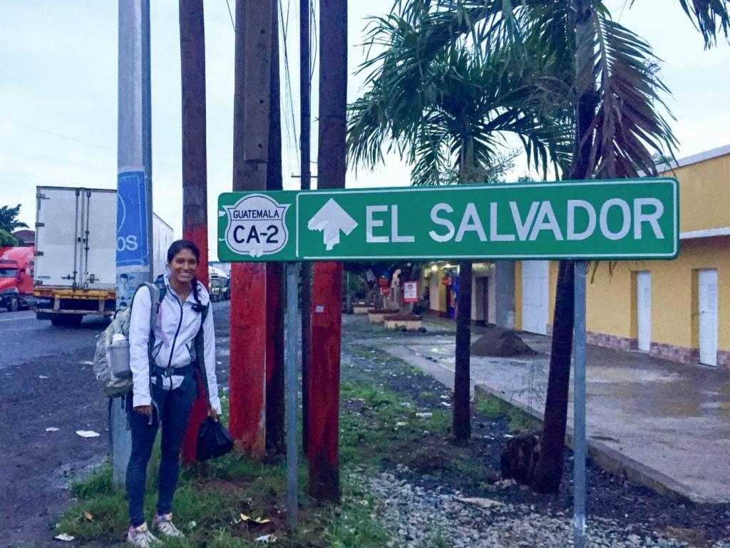 El Salvador border crossing